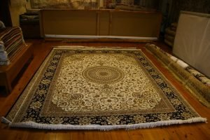 איך מנקים שטיח פרסי