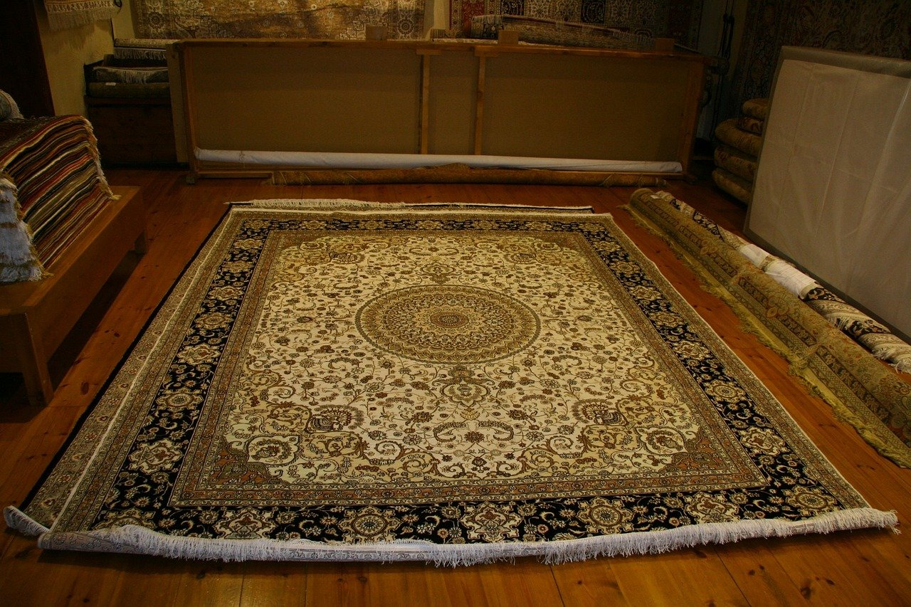 איך מנקים שטיחים